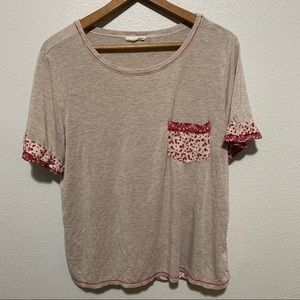 Tan/Cream/Red Patterned Short Sleeve